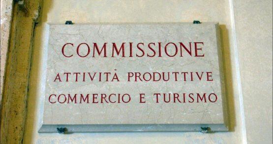 Camera: Ddl aperture festive esercizi commerciali – Depositata proposta di testo base del relatore e chiesto nuovo ciclo di audizioni